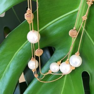 Casual corner vintage gold tone pearls necklace